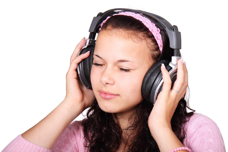 Музыка онлайн Cute-15719_1920-1440x960